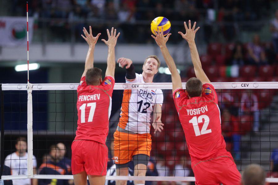 България спечели групата си и е на четвъртфинал на Евроволей 2015