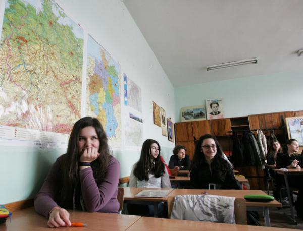 photo of Експерт на ООН иска у нас да се преподава македонски език