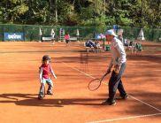 БФ Тенис помага със спорт на деца-аутисти