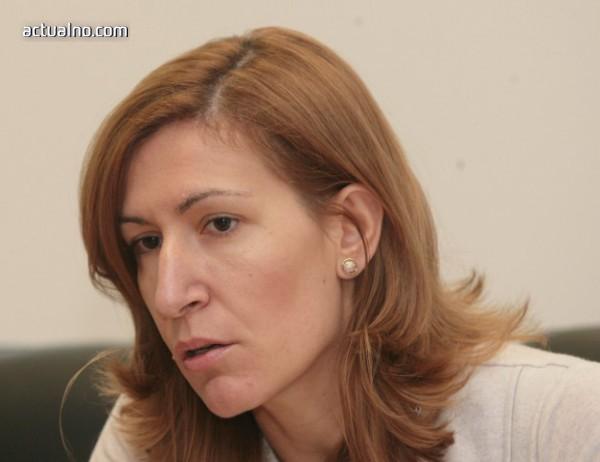 Ангелкова обеща промени в закона, с които да се осигури достъпна среда за хора с увреждания