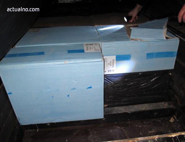 Конфискуваха 11 хиляди кутии с контрабандни цигари на бургаското пристанище
