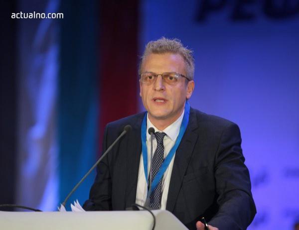 Москов: ВАС не отменя здравната карта, а решението дали да я публикува в Държавен вестник