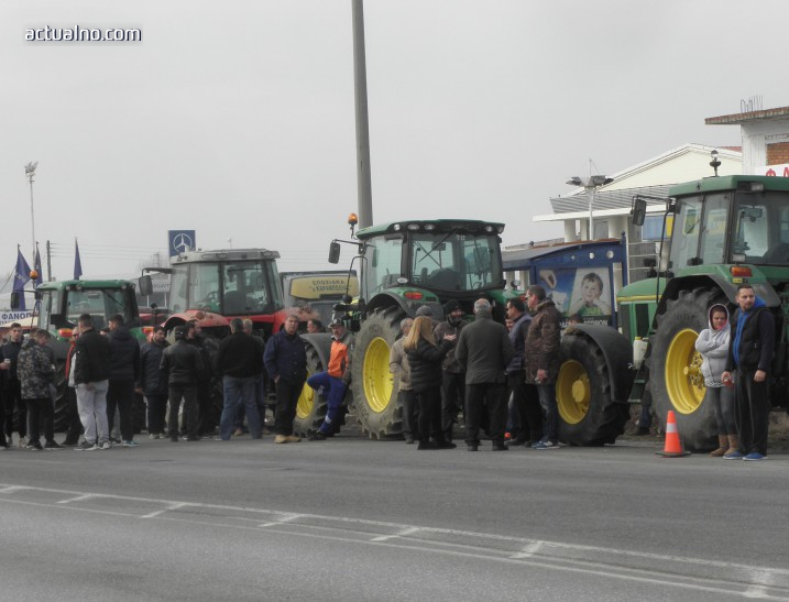 Гръцките фермери се готвят да блокират жп линията край Идомени