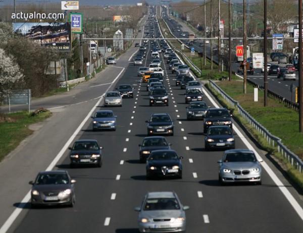 Проблемът с шумните коли ще може да се разреши чак след 2023 г.