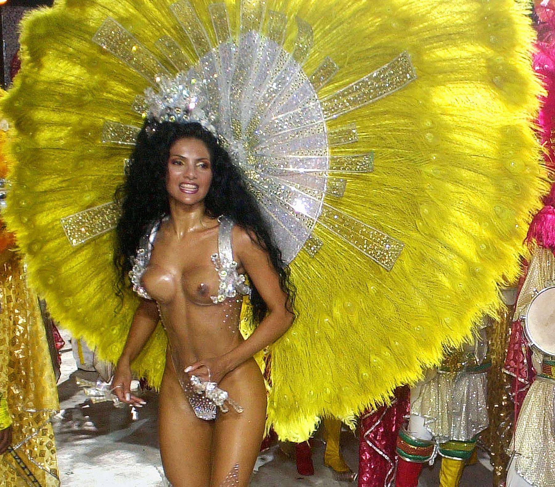 Секс карнавал в бразилии смотреть онлайн 12 фотография