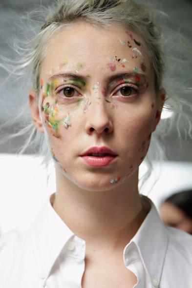 Цветен грим на седмица на модата в Ню Йорк