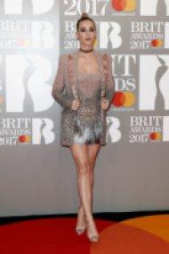 Тоалетите на наградите БРИТ 2017