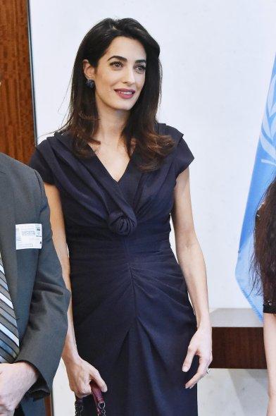 Амал Клуни е шокиращо слаба за бременна в 7-ми месец