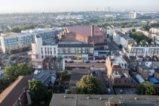 Микробус помете хора пред джамия в Лондон