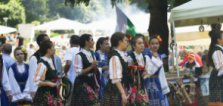 Хиляди се събраха на фолклорен събор в местността