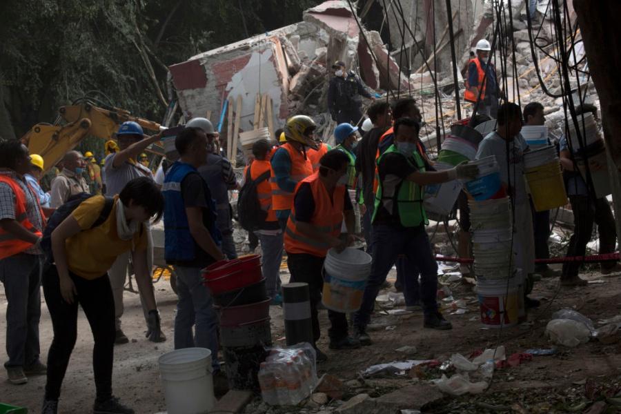 Земетресение с магнитуд 7.1 по Рихтер разтърси Мексико
