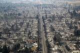 Какво оставиха след себе си пожарите в Калифорния