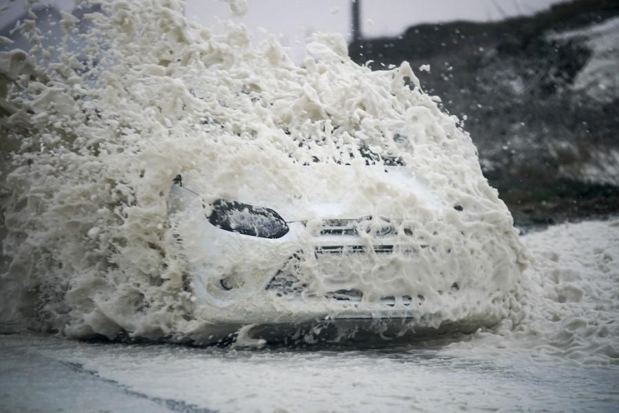 """Ураганът """"Офелия"""" приближава Великобритания"""