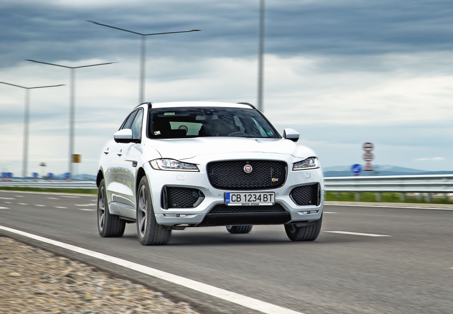 Jaguar F-Pace – хищник сред природата и в големия град