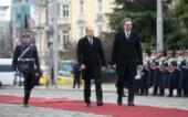 Александър Вучич поднесе венец пред Паметника на незнайния войн