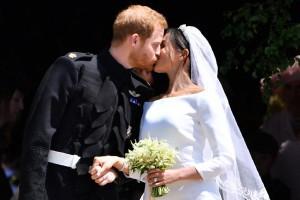 Сватбата и целувката на принц Хари и Меган Маркъл