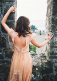 In love: Голи гърбове