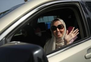 Жените в Саудитска Арабия вече може да шофират