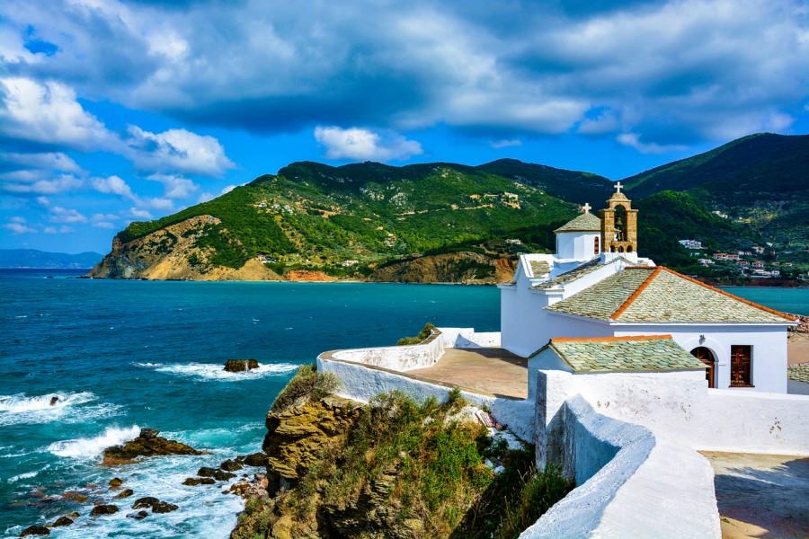 Скопелос - приказният остров от филма