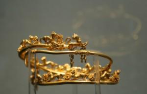 Златното съкровище от тракийската гробница при с. Свещари