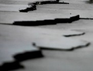 При земетресение в Армения загиват близо 25 000 души