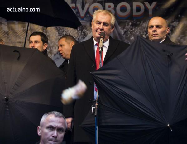 photo of Милош Земан води на изборите в Чехия, но ще има балотаж