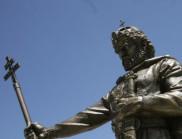 За да не умре вицът - бизнесмен връща очите на паметника на Самуил