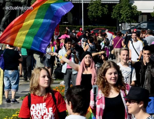 photo of ВМРО иска МВР да забрани гей парада като заплаха за обществения ред
