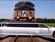 Влак премаза лимузина в САЩ (ВИДЕО)