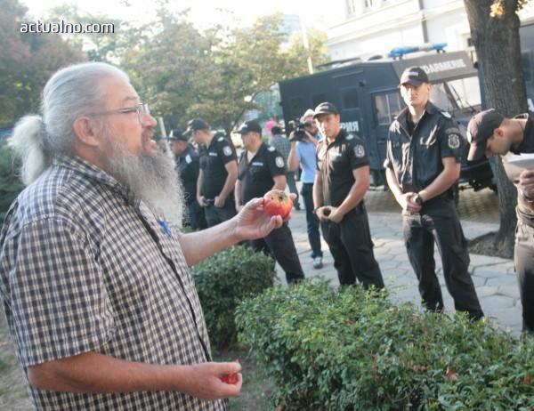 photo of Николай Колев-Босия гладува 13-ти ден срещу корупцията при шофьорските книжки