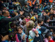 Едните са бежанци, а другите - не?