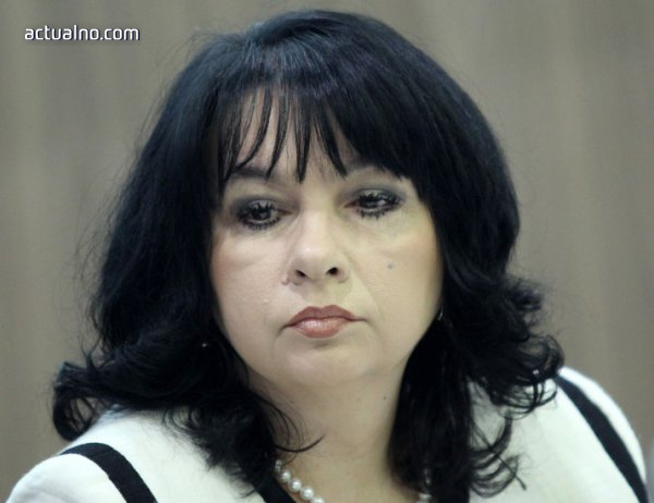 """photo of Петкова: ЕК ще прояви разбиране за искането на България относно делото срещу """"Газпром"""""""