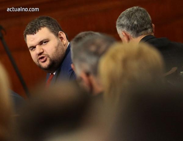 photo of Делян Пеевски: Не съм олигарх, днес задкулисието излезе на светло