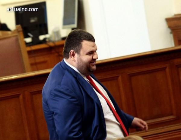photo of Пеевски си купи изба