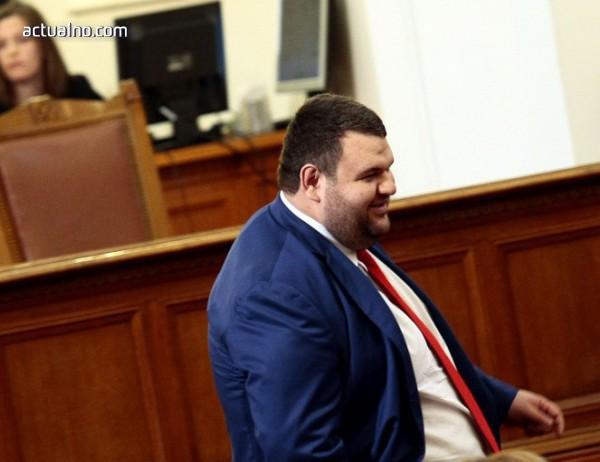 photo of Бивш сътрудник на Делян Пеевски ли атакува поръчки на ДПС кмет?