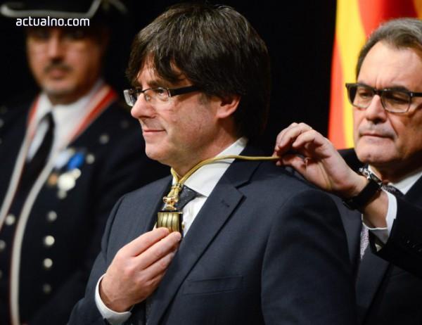 photo of Испания полага усилия да не допусне тайно завръщане на Пучдемон в Каталуния