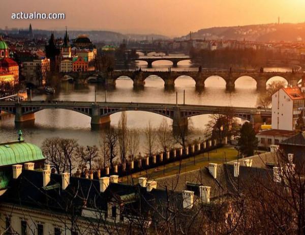 photo of 20 години ремонт за Карловия мост в Прага