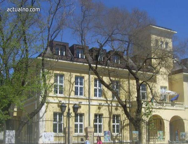 photo of Всички учебни заведения в Сливенска област имат осигурени учители