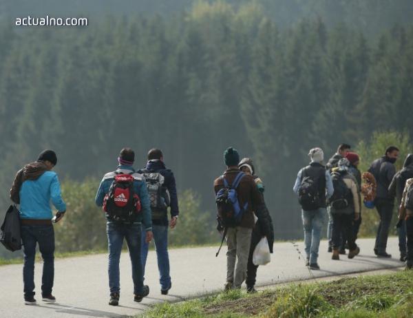 photo of Бежанци продават органите си, за да платят пътя си до Европа