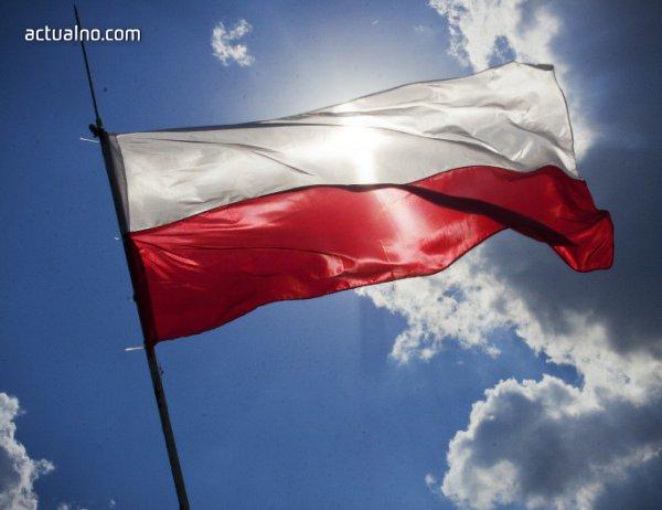 photo of Полша одобри закона за премахване на съветските паметници