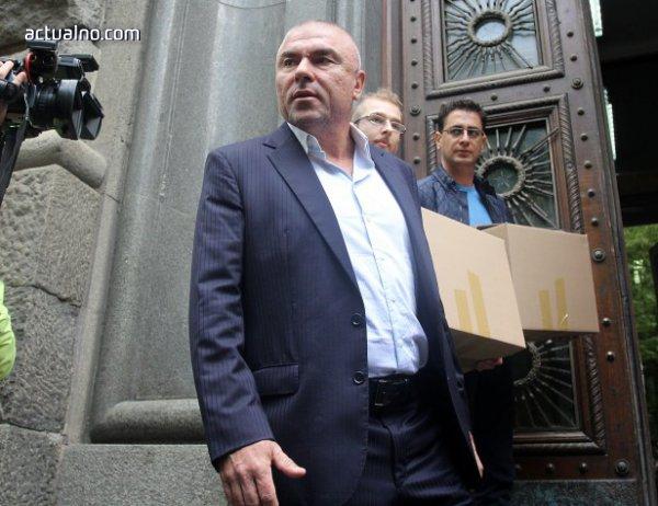 photo of Марешки се оплака от натиск от властта, заговори за предсрочни избори