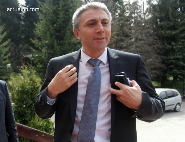 photo of Карадайъ към Борисов: Доган не каза, че си незаменим