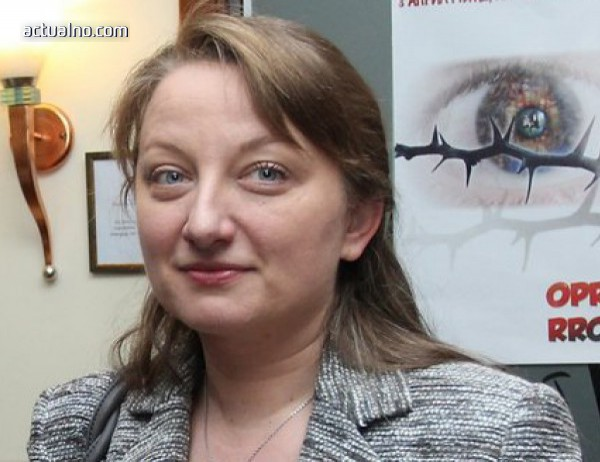 photo of Деница Сачева: Училищен въпросник за сексуалната ориентация не е имало и няма да има