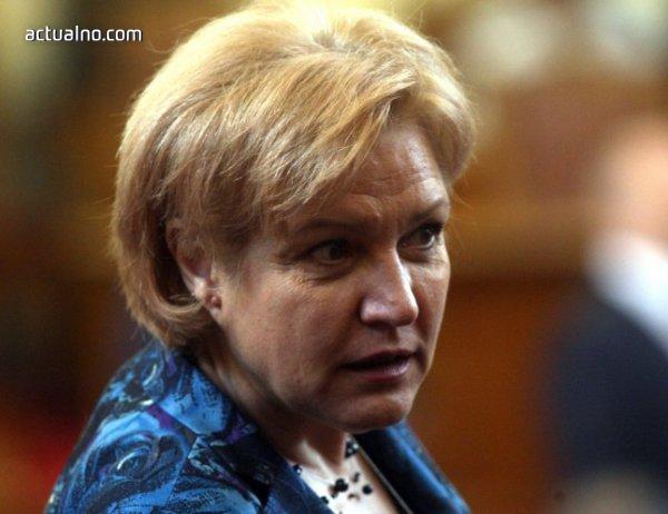 photo of Държавата няма да тегли заеми в следващите 3 години, заяви Стоянова