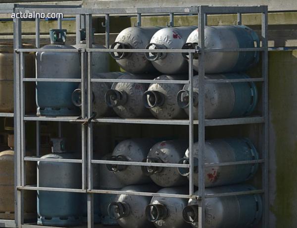 photo of Изненадващи проверки на заведения, използващи бутилки с газ
