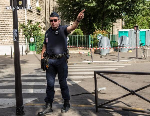 photo of Автомобил се вряза в група хора във френския град Ним