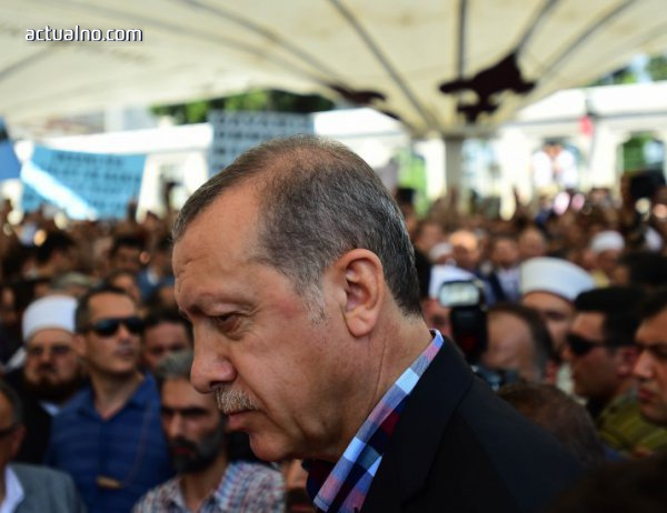 photo of Ердоган откри паметник на жертвите на опита за преврат