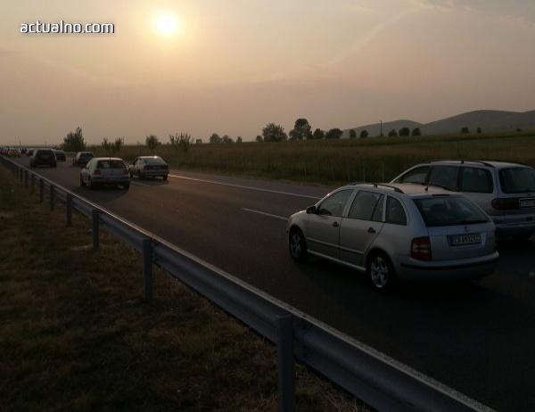 """photo of Мъж загина след като цистерна се обърна на магистрала """"Тракия"""""""