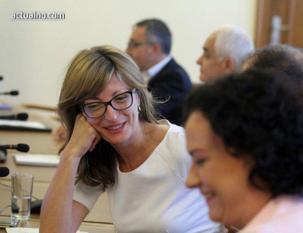 photo of Захариева: В Брюксел никой не пита за НДК