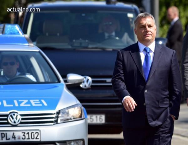 photo of Виктор Орбан слага ръка върху над 500 медии